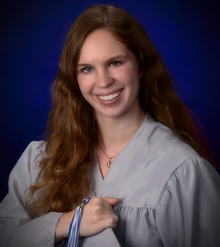 Elizabeth Klemm Receives Graduating Senior Award
